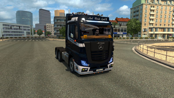 mercedes-holland