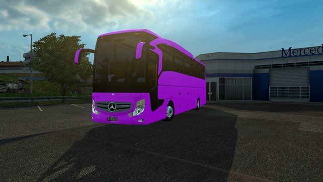 mercedes-benz-travego-01